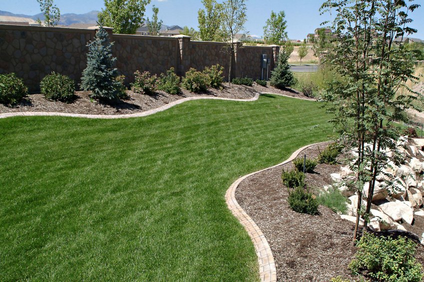 Full Service Landscaping Contractor – Storrs CT